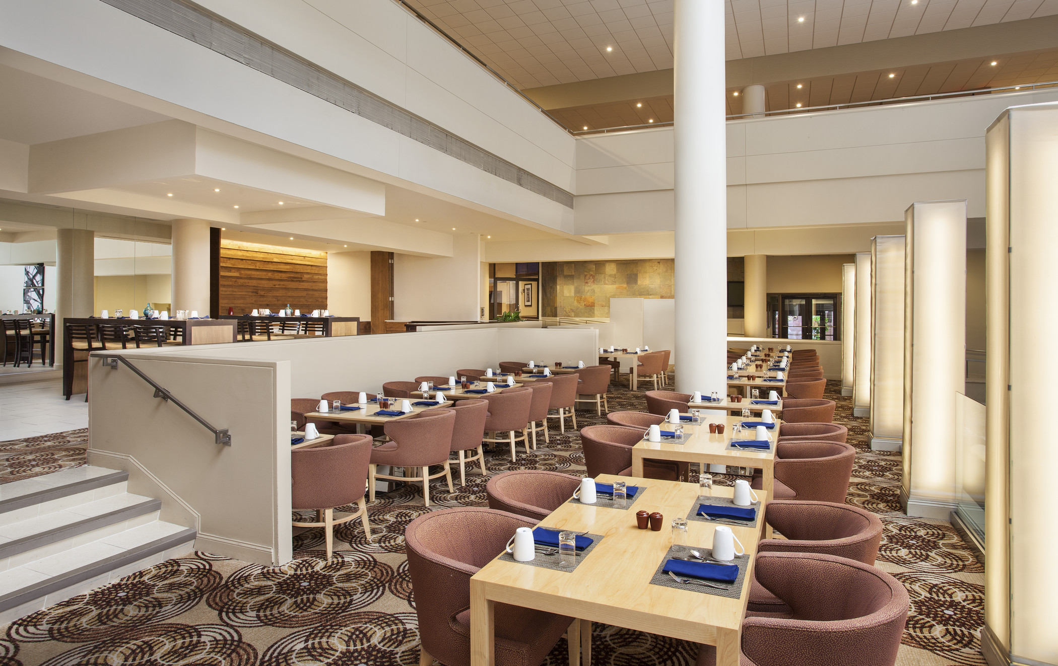 she1776re-202219-terrace-restaurant-breakfast-1